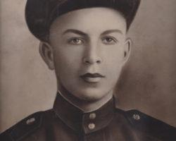 Кожухар Петро Ілліч 1924-1943